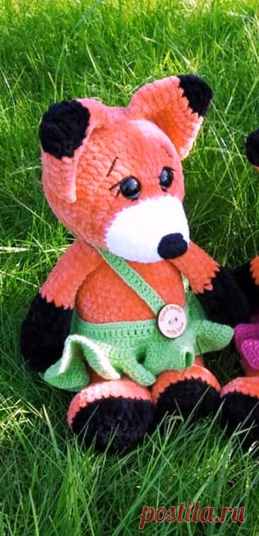 PDF Лисичка Лора крючком. FREE crochet pattern; Аmigurumi animal patterns. Амигуруми схемы и описания на русском. Вязаные игрушки и поделки своими руками #amimore - Лиса, лисица, лисёнок из плюшевой пряжи, плюшевая лисичка.