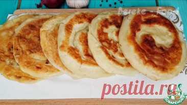 Слоеные луковые лепешки Кулинарный рецепт