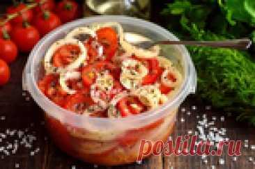Пикантная закуска из помидоров и лука с оригинальным маринадом