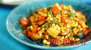 Теплый салат из индейки с кукурузой и кабачками рецепт с фото пошагово Теплый салат из индейки с кукурузой и кабачками - пошаговый кулинарный рецепт приготовления с фото, шаг за шагом.