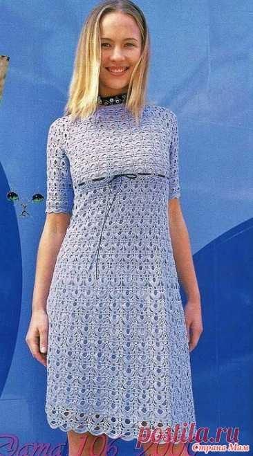 Сиреневое платье с завышенной талией. Сиреневое ажурное платье с короткими рукавами и пояском продетым в линию завышенной талии выполнено красивым необычным узором выглядит очень женственно и изящно.  Пряжа 350 гр. хлопок с шелком.