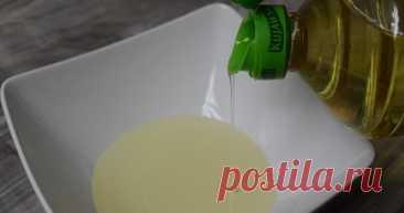Дозатор для растительного масла на бутылку из пробки. Лайфхак. Каждая бутылка с маслом имеет дополнительную пробку под крышкой. Вот именно из этой пробки мы сейчас и сделаем простой дозатор на бутылку.