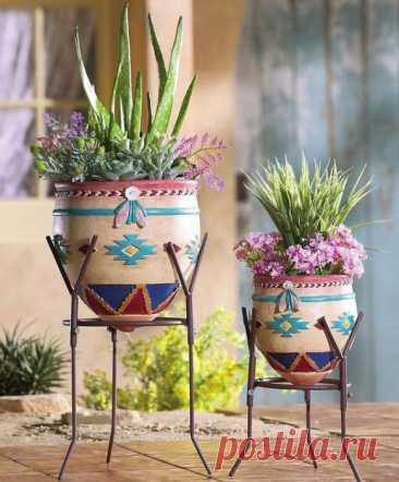 Оригинальные кованые подставки, которые помогут украсить интерьер цветами