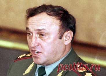 Павел Грачёв: тайна смерти «лучшего министра обороны» Экс-министр обороны России Павел Грачёв скоропостижно скончался 23 сентября 2012 года. Его смерть до сих пор называют загадочной. Давайте разберёмся – почему.