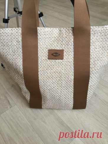 Смотри какую сумку я сшила себе на лето. Модно, удобно и легко в исполнении. | gt.atelier | Яндекс Дзен