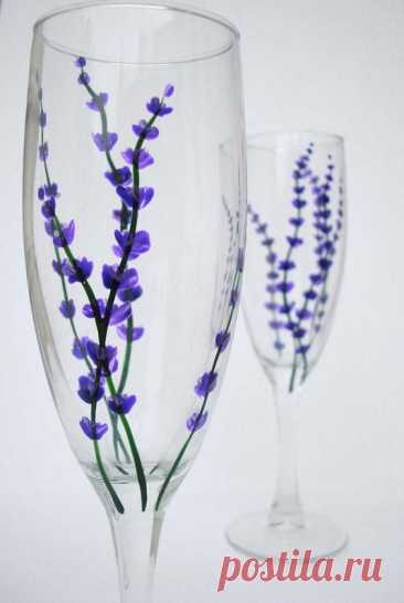 $15.00 · Nicht vorrätig · Sweet little lavender buds to enjoy with your bubbly. I've hand-painted delicate stems of lavender with non-toxic glass paint. The flutes are dishwasher safe and are perfect for everyday toasting! In…