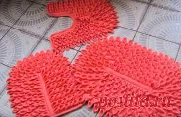 Шикарный лоскутный коврик своими руками по-бразильски - Домоводство - медиаплатформа МирТесен Здравствуйте, дорогие мастерицы! Не могли не поделится с вами такой чудесной и оригинальной идеей, лоскутных ковриков для ванной комнаты. Практически на всех бразильских рукодельных сайтах можно встретить такие коврики, поэтому их еще называют бразильские коврики. Чтобы изготовить такой лоскутный