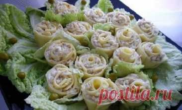Супер красивая закуска для милых дам – сырные розы с курицей