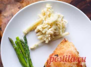Салат из сельдерея и яблока - пошаговый рецепт с фото на Повар.ру