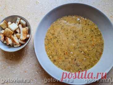 Турецкий чечевичный суп-пюре с паприкой и мятой. Рецепт с фото Этот густой суп из чечевицы готовят без мяса, но с большим количеством сливочного масла, отчего похлебка приобретает нежный сливочный вкус и не уступает по питательности мясным супам. Особый вкус и аромат чечевичной похлебке придают сушеная мята и сладкая паприка.