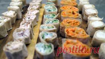 Сливочные роллы из лаваша. Новые идеи закуски на новый год Сегодня будем делать отличнейшие сливочные ролы из лаваша (преимущество — легкость приготовления). Ну и разберем новые отличные идеи для начинки. Ингредиенты:Лаваш — 2штСыр творожный сливочный — 500гр— лучший выбор Hochland cremetteначинки:1. Roll Сливочный-сыр крепетте2. Roll Морковный— корейская морковка— майонез3. Roll Зелёный— сыр... Читай дальше на сайте. Жми подробнее ➡