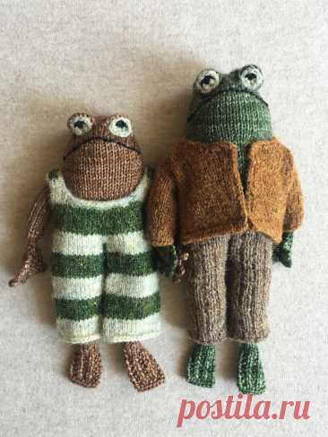 Вязаные спицами лягушки Frog and Toad - Вяжи.ру