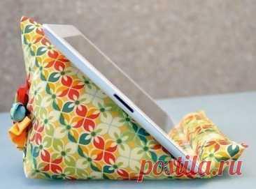 Удобная и нарядная нестандартная подставка для телефона