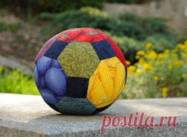 Мячик из ткани: старинная игрушка