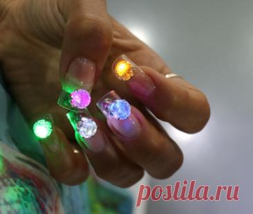 Ногти со светодиодами — новый тренд в маникюре - Красота - WomanHit.ru