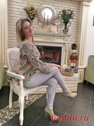 Шикарная работа! Свободный двухцветный джемпер с «косами» (Вязание спицами) – Журнал Вдохновение Рукодельницы