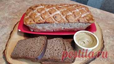 Мясной хлеб из курицы Мясной хлеб из курицы – что может быть проще?! Такой мясной хлеб можно подать горячим на праздничный стол с острым сырным, томатным соусом или в качестве холодной закуски. А какие замечательные бутерб...