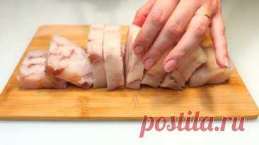 """Покупаю дешевое филе рыбы и готовлю его под """"теплой шубой"""": подойдет на ужин и на праздник. Рецепту нет равных Здравствуйте, дорогие зрители! Ингредиенты: Филе минтая - 600 г Лук - 2 шт Морковь - 2 шт Свекла - 1 шт Масло сливочное - 130 г Майонез - 2…"""