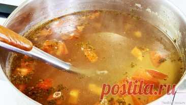 Рыбный суп с болгарским перцем Готовим очень вкусный и полезный рыбный суп с болгарским перцем. Очень вкусно, быстро и просто.Ингредиенты:Вода - 3 лРыба - 500 г.Болгарский перец - 2 шт.Чеснок - 2 зубчикаПомидоры - 100 г.Репчатый лук - 1 шт.Корень сельдерея - 70 г.Морковь - 100 г.Лавровый лист - 2 шт.Соль - 4...