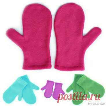 Флисовые варежки в трех размерах размеры S M L  источник: https://www.diy-crush.com/blog/free-fleece-mittens-sew..