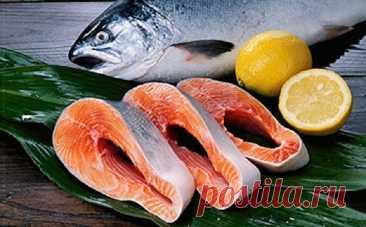 Как приготовить рыбу — 15 советов - Мужской журнал JK Men's ▪ Чтобы рыбу легче было чистить, рекомендуется погрузить ее в кипящую воду на 20-30 секунд. ▪ С мелкого окуня, ерша,