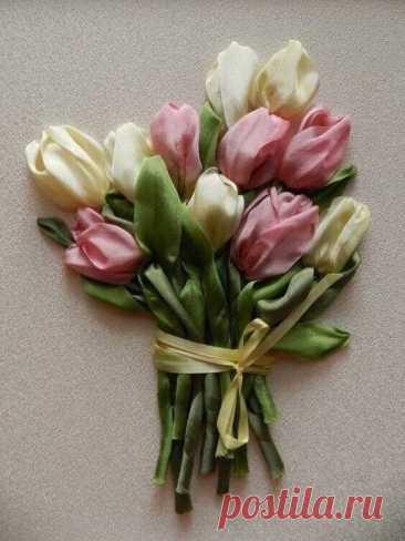 Вышиваем лентами тюльпаны