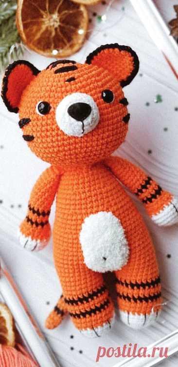 PDF Тиграша яша крючком. FREE crochet pattern; Аmigurumi animal patterns. Амигуруми схемы и описания на русском. Вязаные игрушки и поделки своими руками #amimore - тигр, тигренок, котик, кот, кошечка, кошка, котенок.