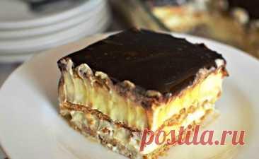 Торт эклер без выпечки! На скорую руку и с любым печеньем Печенье для этого торта можно взять любое. Для приготовления вам потребуются такие ингредиенты: — печенье, 450 г; — сахар, 7 ст.л; — молоко, 520 мл; — желток, 1 шт; — какао, 2 ст.л; — крахмал, 2.5 ст.л; — масло сливочное, 50 г; — экстракт ванили, 1 ч.л. Молоко (500 мл) делим на 2 части. Одну […]