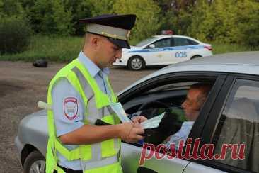 До скольки лет можно водить машину в России по закону