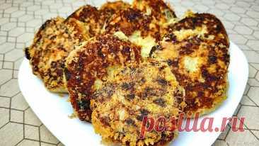 Картофельные котлеты в сырной корочке Ингредиенты: 8 сваренных картофелин,2-3 пера зелёного лука,0,5 пучка укропа,2 яйца,200 гр. муки,200 гр. тёртого сыра,соль по вкусу,чёрный перец по вкусу,растительное масло.Картофель почистить и отварить до готовности, размять в пюре.Зелень измельчить и добавить к пюре. Также...