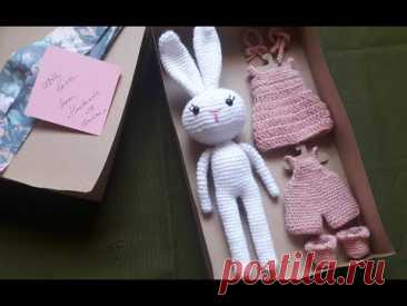 Crochet clothes for a White Bunny