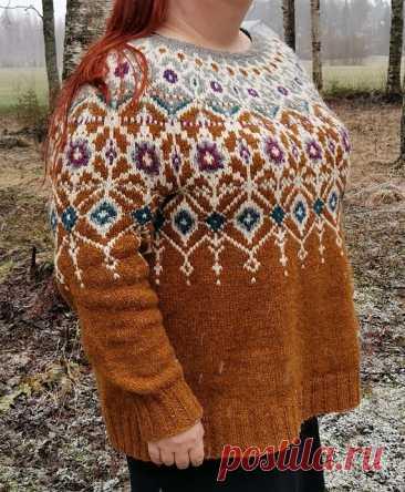 Пуловер с жаккардовой кокеткой Jalokivi от финского дизайнера Maikki-Noora Karvinen