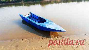 Как из пластиковых бочек сделать каркасную лодку Многие рыбаки или жители прибрежных зон мечтают о моторной лодке. Существует много способов ее изготовления, одним из самых простых из которых является сварка металлического каркаса и его обшивка. Если использовать для этого самый тонкий недорогой металлопрокат и старые пластиковые бочки, то