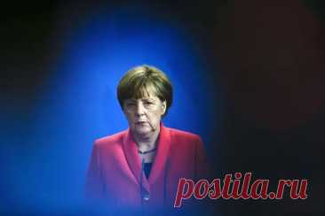 Меркель призвала запустить СП-2 из-за нужды в российском газе Канцлер ФРГ Ангела Меркель выступила заскорейшее завершение проекта строительства газопровода «Северный поток-2» (СП-2). Обэтом сообщает всубботу, 15мая, «РИА Новости»…