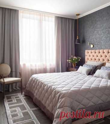 Уютная спальня в пaстeльныx тонa