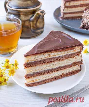 """Торт """"Мишка на севере"""" на Вкусном Блоге Еще один представитель домашней кондитерской классики периода 90-х. Сметанный торт – с коржами на сметане и сметанном креме. Вкус детства – сейчас такого плана торты я не готовлю совсем. Но поностальгировать иногда хочется. Сметану для этого торта лучше брать максимально жирную – около 30%. Или взять с запасом с меньшей…"""