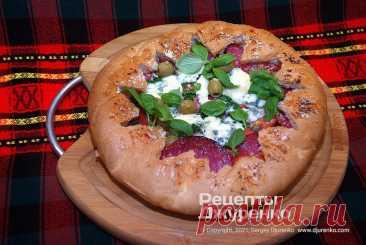 Простая пицца в хлебе с начинкой из доступных ингредиентов