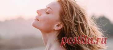 Без спортзалов и диет: Любовь Толкалина рассказала, как остается стройной, следуя всего 3 правилам. Актриса также раскрыла любимые бьюти-средства и объяснила, почему ей пришлось отказаться от вегетарианства.