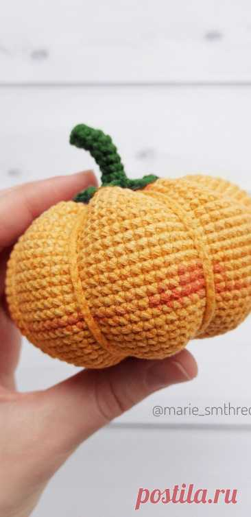 PDF Осенняя тыква крючком. FREE crochet pattern; Аmigurumi vegetable patterns. Амигуруми схемы и описания на русском. Вязаные игрушки и поделки своими руками #amimore - тыква, овощ.