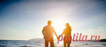 Секрет счастливого брака: перестаньте приспосабливаться Нас долгое время учили, что над отношениями нужно работать, что брак строится на компромиссах, что женщина должна быть мудрой, а значит, уступать, подстраиваться под мужчину. Но можно ли быть счастливой, отказавшись от себя и своих желаний? #счастливыйбрак #психологиялюбви #психологияотношений #счастливыеотношения