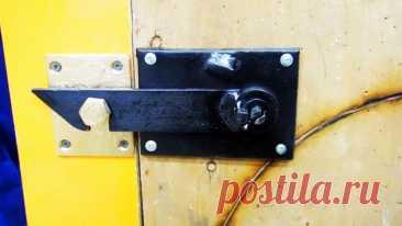 Как сделать защелку на дверь с потайным замком | Сделай Сам - Своими Руками | Пульс Mail.ru Владельцы гаражей и мастерских переживают за безопасность своего инструмента и прочих ценностей, которые там хранятся. Подобные строения всегда...