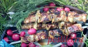 Шашлык в майонезе из свинины простой и вкусный рецепт Шашлык в майонезе из свинины - один из самых простых способов приготовление шашлыка. Майонез и специи делают шашлык невероятно нежным, вкусным и сочным