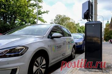 Уличные фонари для зарядки любых типов электромобилей установят в Праге — СпецТехноТранс