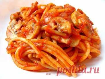 Спагетти с ароматным и безумно вкусным томатно-грибным соусом