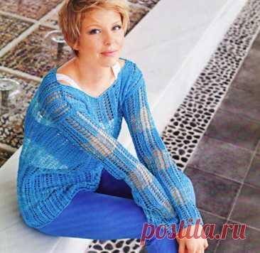 Стильный летний пуловер сетчатым узором спицами