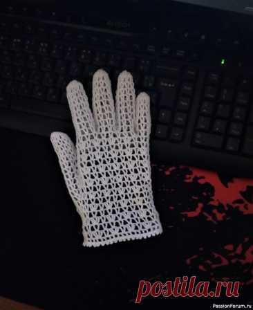 Ажурные перчатки крючком. Еще один вариант. | Вязаные крючком аксессуары