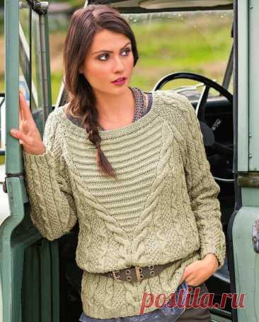 Элегантный пуловер с красивой вставкой. - Lilia Vignan