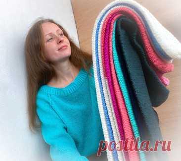 Из шарфов и старого пледа смастерила валики на диван. Отличное обновление интерьера | Рекомендательная система Пульс Mail.ru