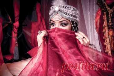 Чем красились и как ухаживали за волосами красавицы в гареме султана Как девушки в гареме султана ухаживали за волосами и кожей и какой косметикой пользовались