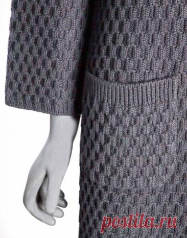Пальто связанное спицами в стиле *Бохо* Очень интересное пальто в стиле бохо связанное из мохера с ангорой.Модель из журнала о вязании Светланы Волкодав.Описание вязания смотрите по ссылке: